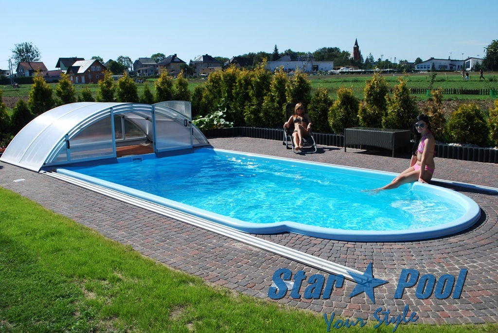 Gfk schwimmbecken fertigbecken swimming pool polyester for Pool holzdekor
