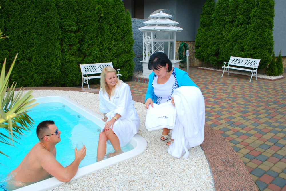 K gfk pool garten fertigbecken swimming pool gfk for Fertigbecken pool