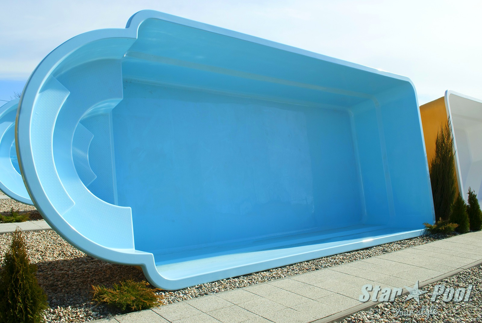 J in ground fiberglass polyester garden swimming pool for Swimming pool manufacturers